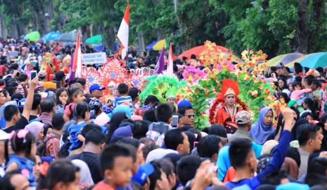 Permalink ke Karnaval Budaya dan Kendaraan Hias Sita Perhatian Masyarakat Muba