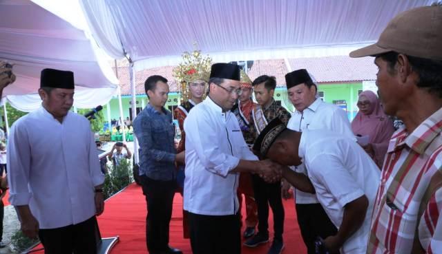 Permalink ke Gubernur Sumsel Herman Deru dan Menhub Cek Harga Karet
