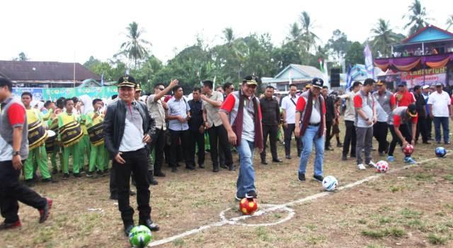 Permalink ke Herman Deru  Kick Off Turnamen Gubernur Cup U-20 di Empat Lawang