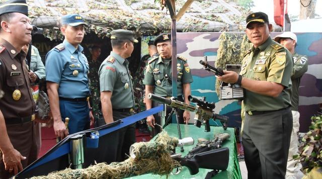 Permalink ke Pameran Alutsista Kodam II/Srwijaya Meriahkan HUT TNI