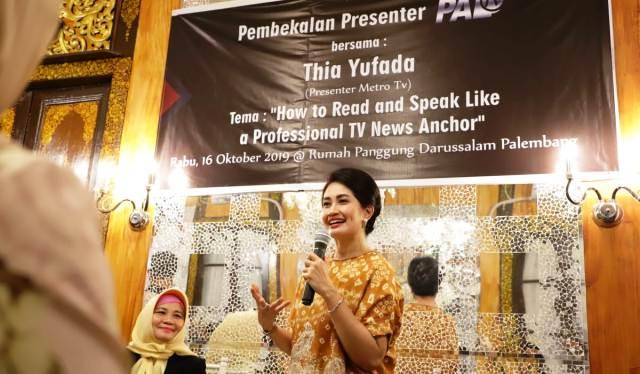 Permalink ke Thia Yufada Tularkan Virus  News Anchor untuk Presenter Televisi