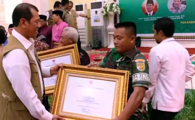 Permalink ke Serda Sutrasno Terima Penghargaan dan Apresiasi dari BNPB