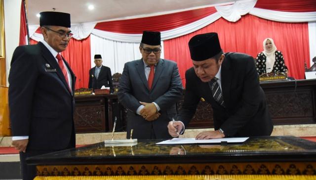 Permalink ke DPRD Resmi Setujui 7 Raperda Usulan Pemprov Sumsel Menjadi Perda