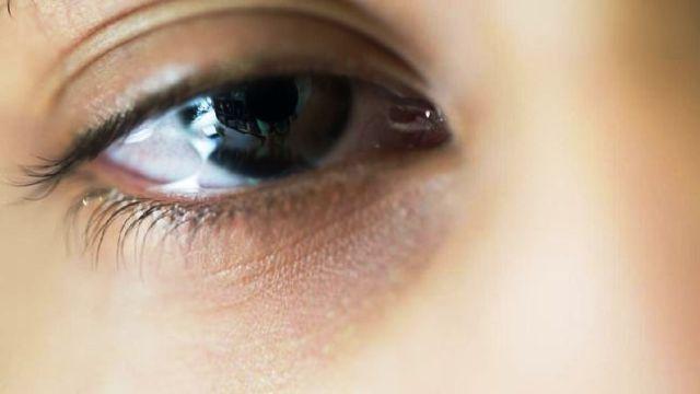 Permalink ke Studi: Tak Ditemukan Virus Corona di Air Mata