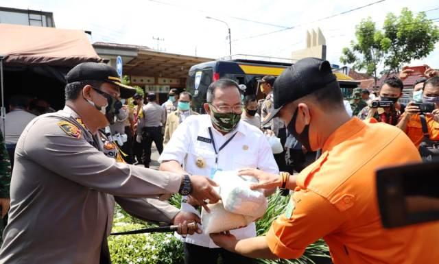 Permalink ke Bupati DRA Luncurkan Gerakan Bhakti Sosial Polda Sumsel Peduli Covid-19 di Muba