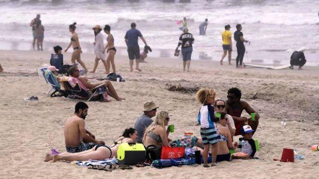 Permalink ke Ribuan Warga AS Nekat Piknik di Pantai saat Pandemi Corona