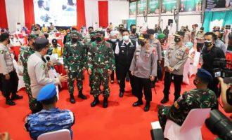 Permalink ke Panglima TNI Dan Kapolri Tinjau Vaksinasi Personel di Palembang
