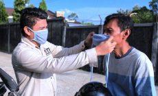 Permalink ke Cegah Penyebaran Covid-19, IJTI Sumsel Bagikan 1.500 Masker
