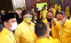 Permalink ke Hadiri HUT Golkar ke-56, DRA Saksikan Langsung Potong Tumpeng Oleh Airlangga