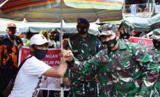 Permalink ke Kasdam II/Swj Ikuti Operasi Yustisi Penggunaan Masker Dipasar Lemabang