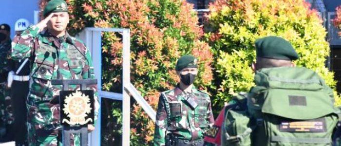 Pangdivif 3 Kostrad Lepas Satgas Pamtas Mobile Yonif Para Raider 431/SSP