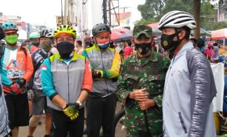 Permalink ke Cegah Covid19, Budayakan Pakai Masker, Pangdam II/Swj Kunjungi Pasar Lemabang